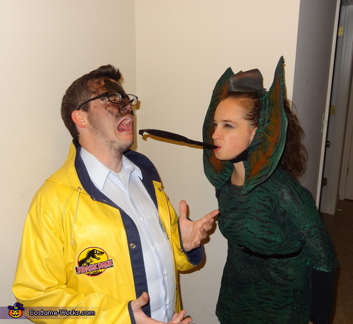 Dilophosaurus and Dennis Nedry - Homemade costumes for couples
