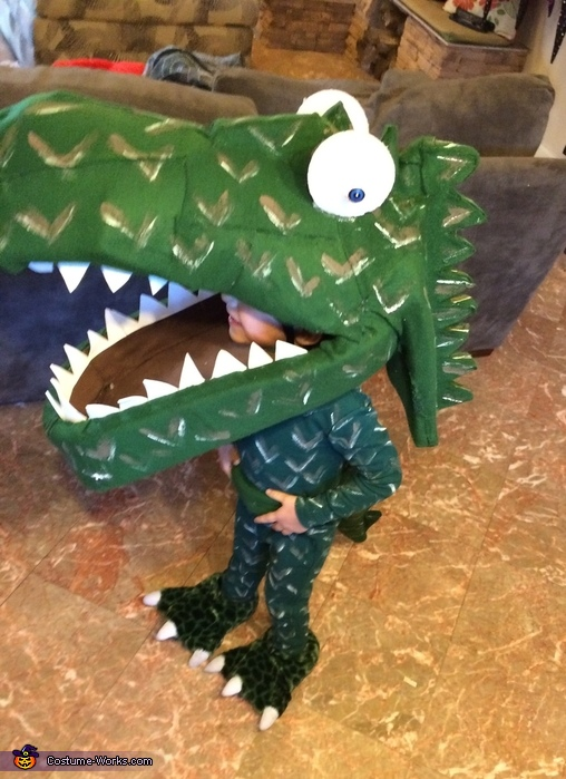 Dinosaur Hunter Costume