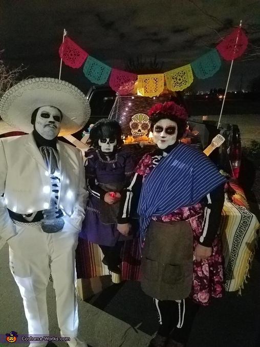 Ernesto de la Cruz, Mama Imelda, Tia Rosita, Disney Pixar Coco Costume
