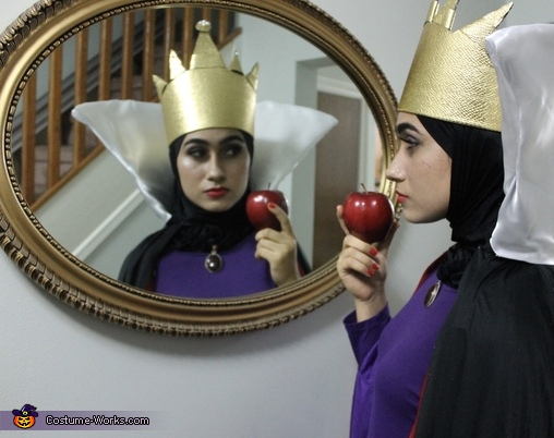 Mirror mirror on the wall who's the fairest of them all, Disney Villains - The Evil Queen and Maleficent Costume