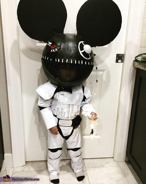 DJ deadmaus Costume