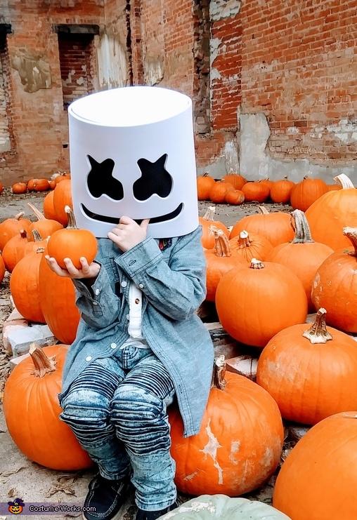 Pumpkin, DJ Marshmello Costume