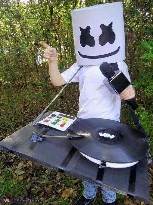 Party over here, DJ Marshmello Costume