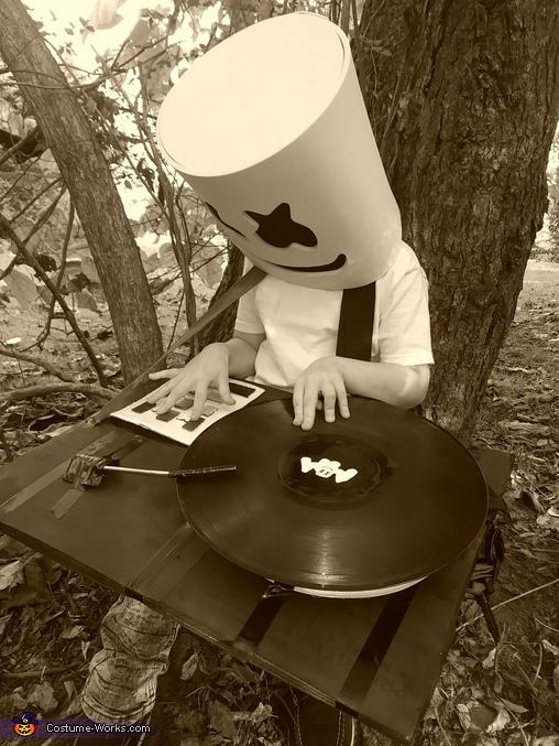 Just mello, DJ Marshmello Costume
