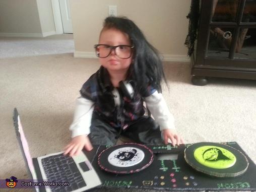 DJ Skrillz Costume