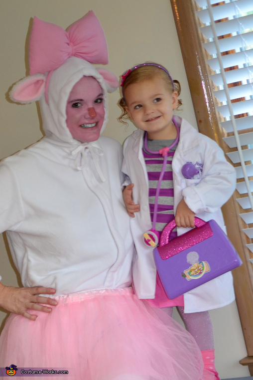 Amelia and Mommy as Doc McStuffins and Lambie, Doc McStuffins and Lambie Costume