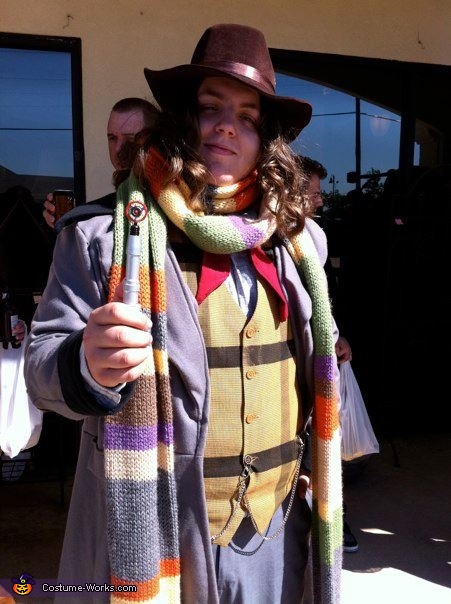 The 4th Doctor from Doctor Who Costume