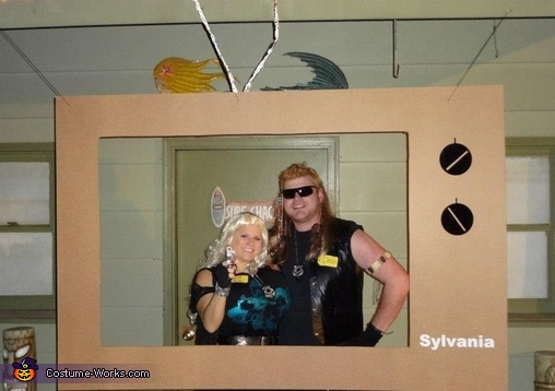 Dogisms - 'If you love them and their addicted - you've got to do something about it. You have to show them tough love.', Dog the Bounty Hunter and Beth Couple Costume