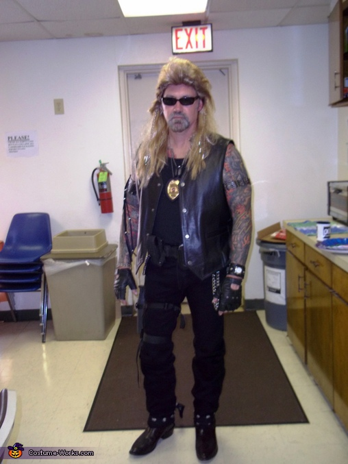 "Dog The Bounty Hunter Chapman. ""The Bounty Hunter"" Dog & Beth Chapman - Homemade costumes for couples"