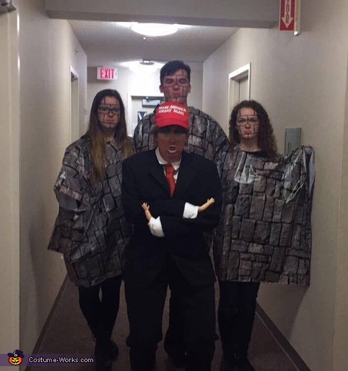 Donald Trump and the Wall, Donald Trump and the Wall Costume