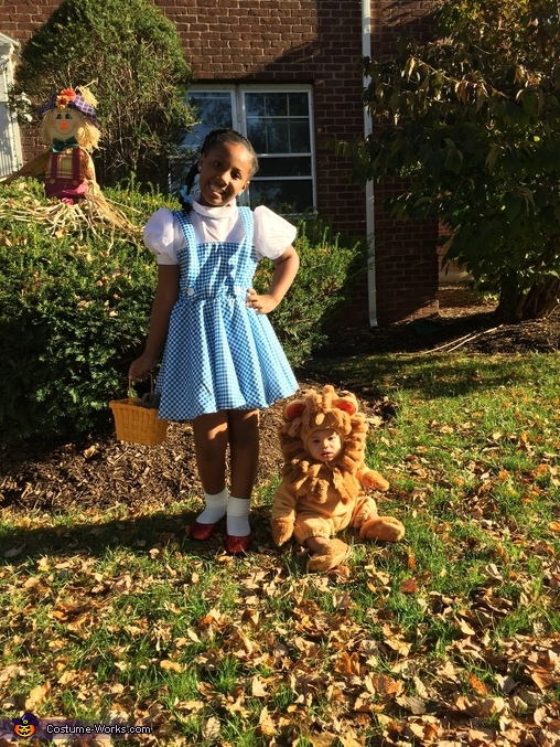 Ease on Down!, Dorothy and Lion From The Wizard of Oz Costume