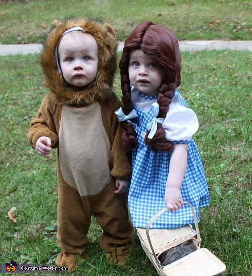 Dorothy & The Cowardly Lion Costume