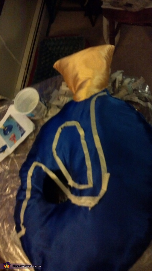 Making of Dory- Step 5: Painting on the markings, Dory Costume
