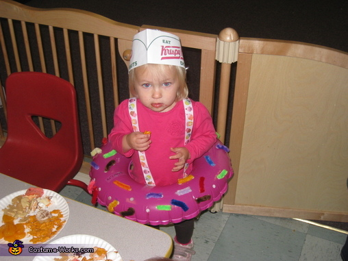 Lil' Doughnut, Doughnuts and the Makers Family Costume