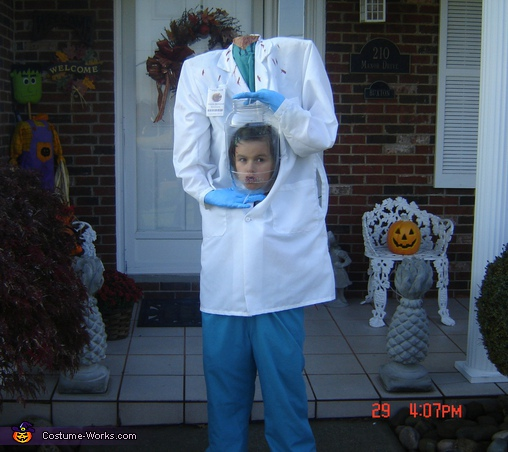 """heading"" out trick or treating, Dr. Helda Severed Costume"