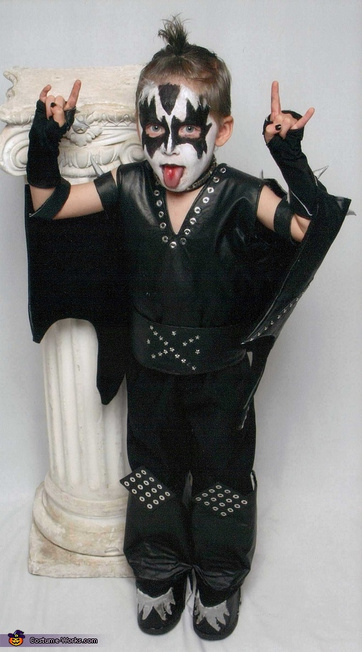 """The Demon"" Gene Simmons - Homemade costumes for boys"