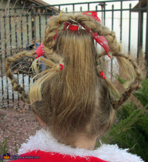 Cindy Lou Who---She Had to Have her Hair Fixed Just Right!, Dr. Seuss Characters Family Costume