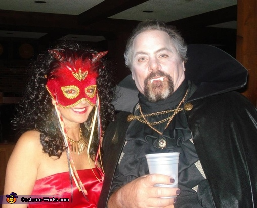 Dracula and She Devil, Dracula and She Devil Couple Costume