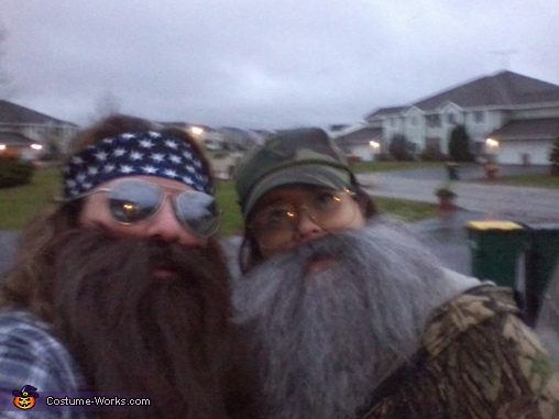 The Duck Dynasty Duo Willie & Si Costume