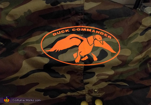 logo detail, Uncle Si from Duck Dynasty Costume