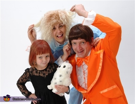 Our Dumb Halloween 4, Dumb and Dumber Family Costume