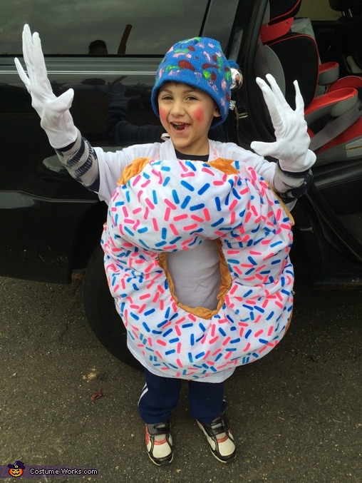 Tyler loves his donuts!!, Dunkin' Donuts Costume