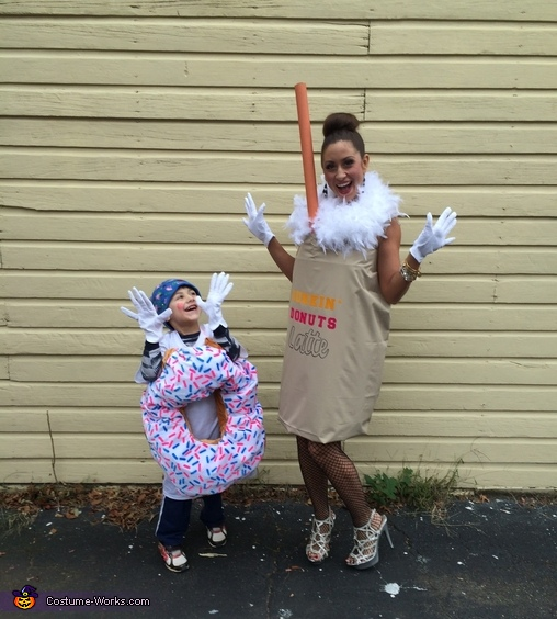 America runs on Dunkin!, Dunkin' Donuts Costume