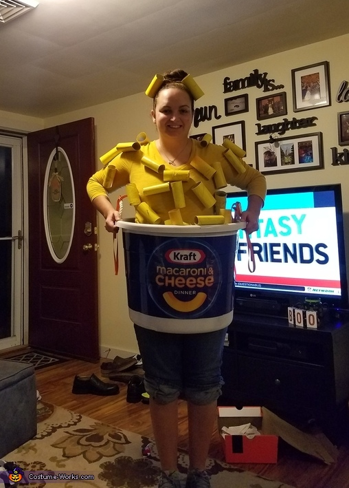 DIY Easy Mac Halloween Costume
