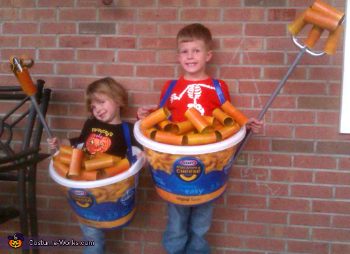 Easy Mac Costumes!