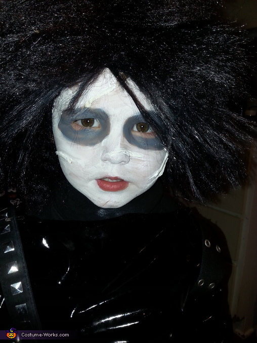 DIY Edward Scissorhands Costume
