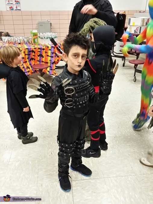 Showing off his gloves!, Edward Scissorhands Costume