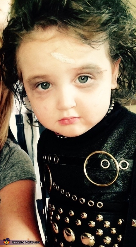 So serious in her selfie, Edward Scissorhands Costume