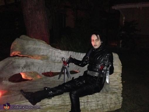 DIY Edward Scissorhands Costume for Women