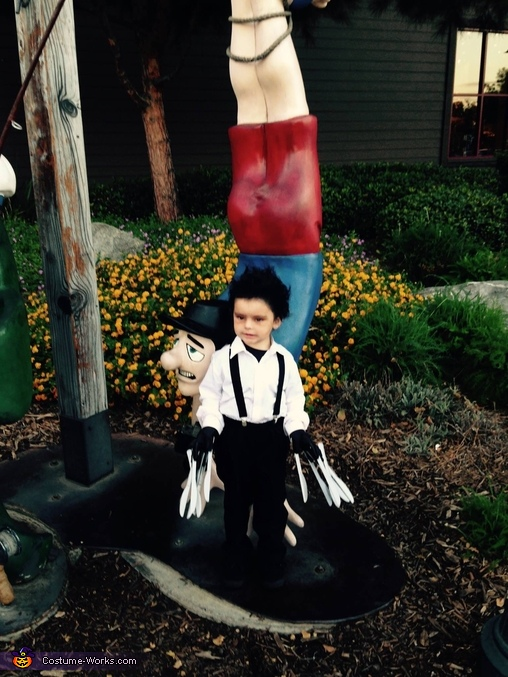 Bass Pro Shop trunk or treat, Edward Scissorhands Toddler Costume