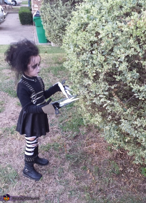 profile while cutting hedges, Edward Scissorhands Girl's Costume