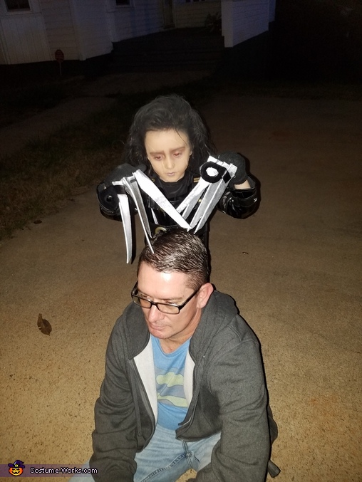 Giving Daddy a haircut, Edward Scissorhands Costume