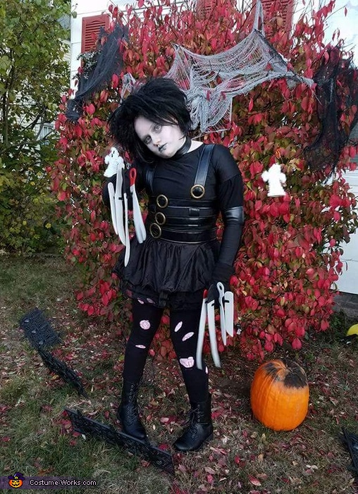 Girly Edward Scissorhands Costume
