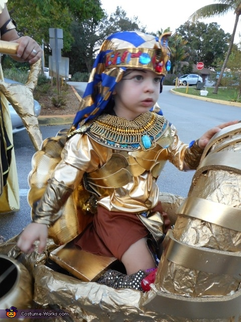 The King 2, Egyptian Prince Costume
