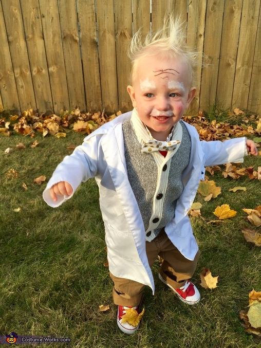 Einstein likes to dance, Einstein Costume