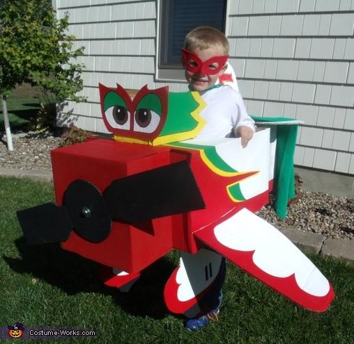 El Chupacabra Plane Costume