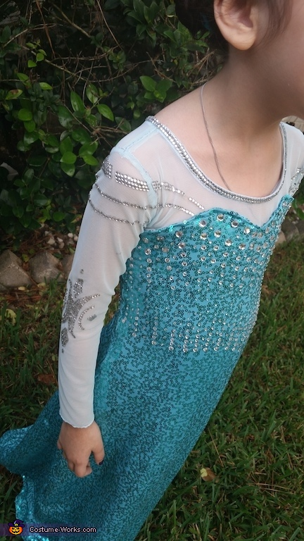Arm and shoulder details, Elsa the Snow Queen Costume