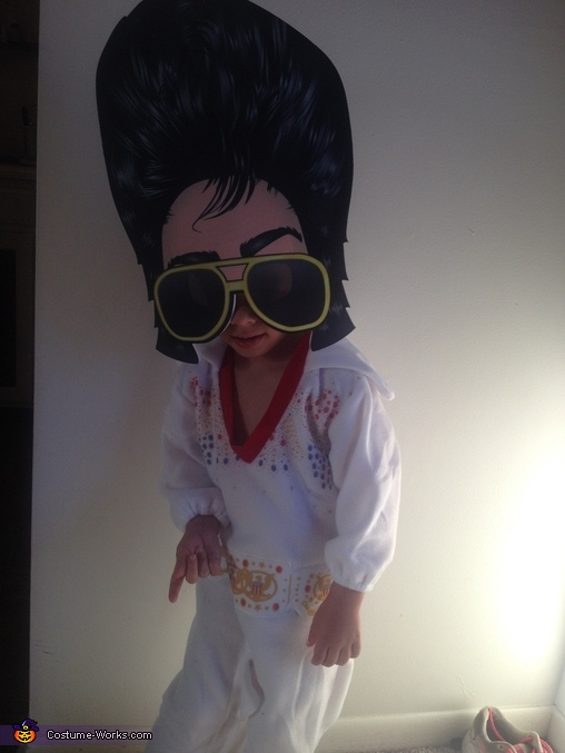 Dance, Elvis Costume