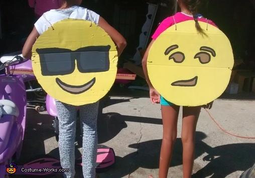 Back of emojes, Emojis Costume