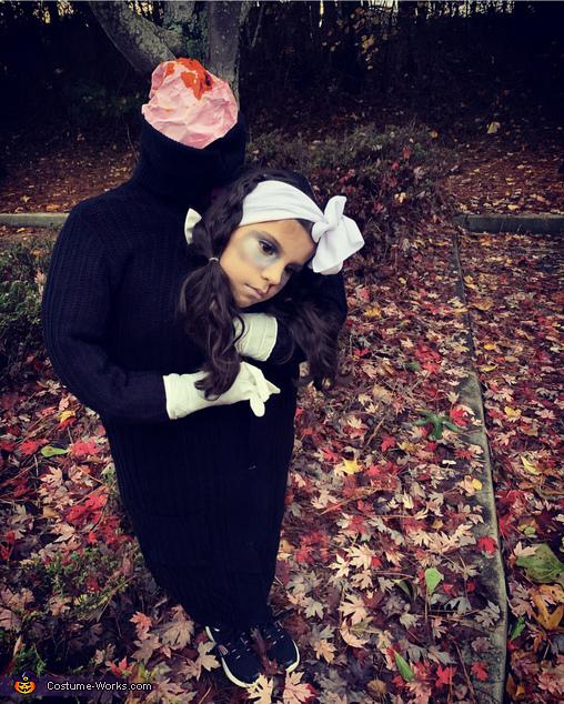 Estefa Headless Costume