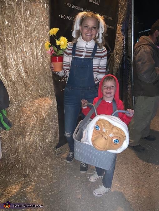 Et, Elliot and Gertie Homemade Costume