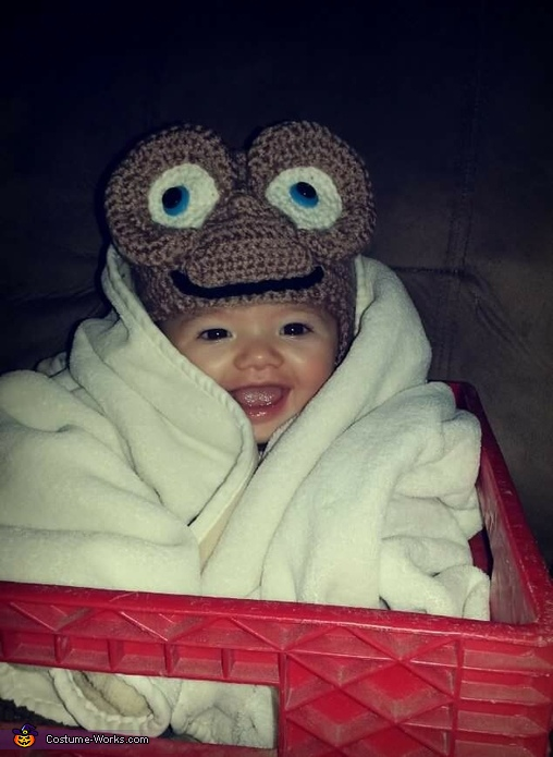 E.T. Family Homemade Costume