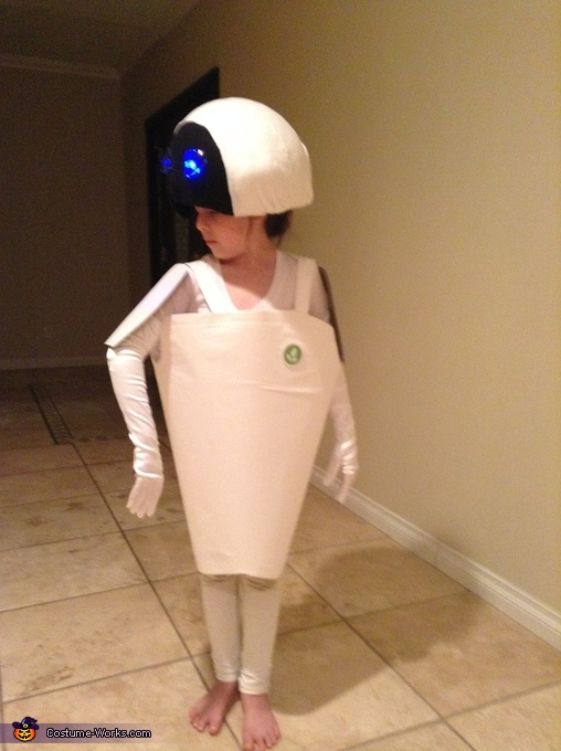 Eve from Wall-E Homemade Costume