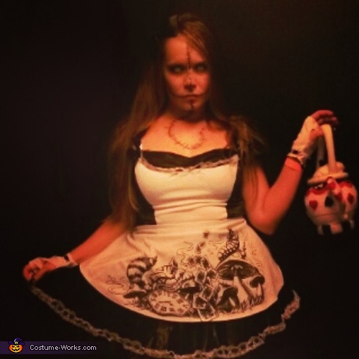 Who wants to join Evil Alice for a 'twisted' tea party?, Evil Alice in Wonderland Costume
