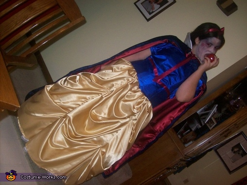 Taking a bite, Evil Snow White Costume