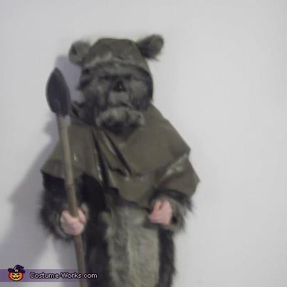 Sara , Ewok Costume